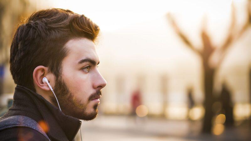 Minoxidil te ajuda a ter uma barba de respeito, confira como